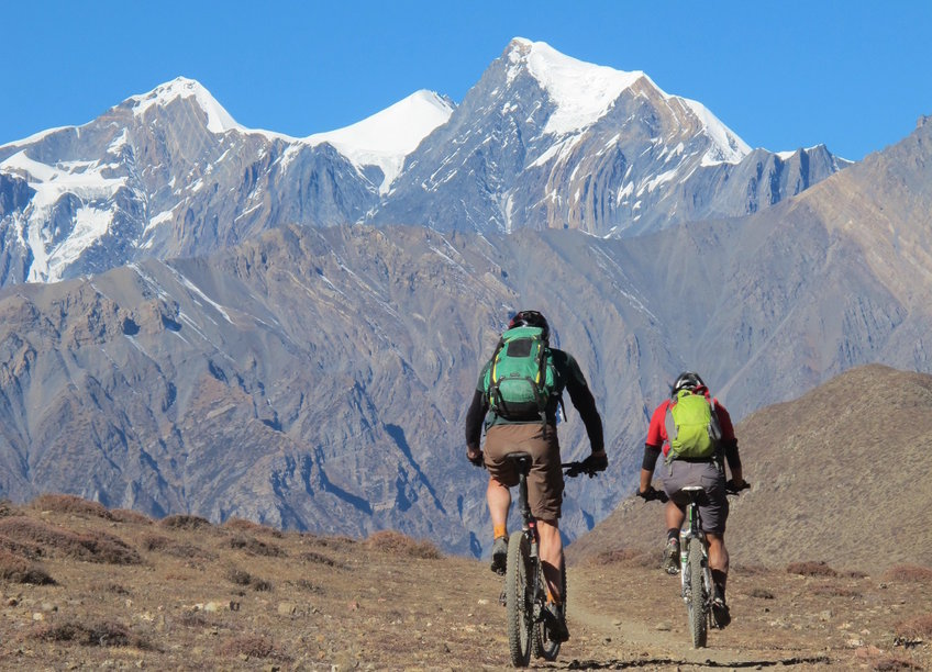 cycling tours in himalayas