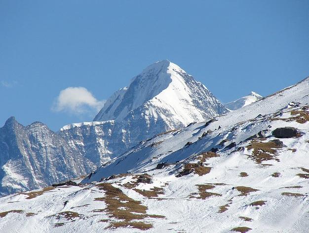 Auli Skiing