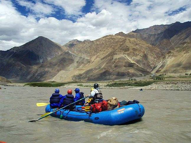 river rafting in zanskar