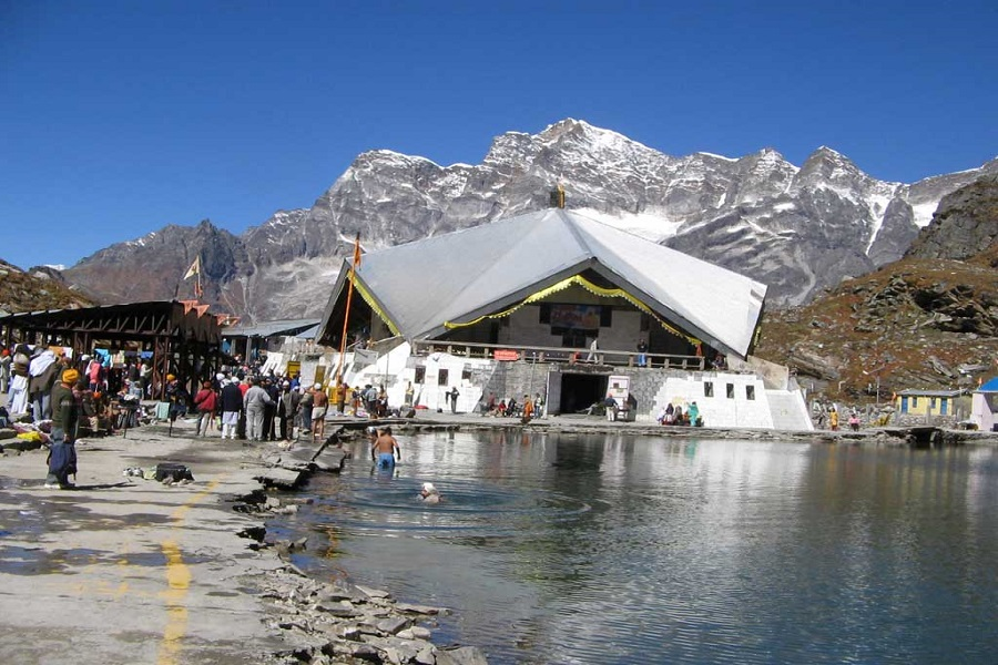 God's Abode in the Midst of Natural Bounty: Hemkund Sahib
