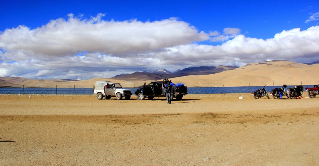 Exploring Ladakh through Jeep Safari
