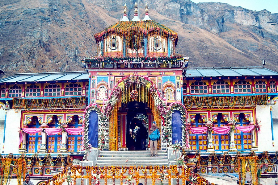 Badrinath Temple - Char dham tour package