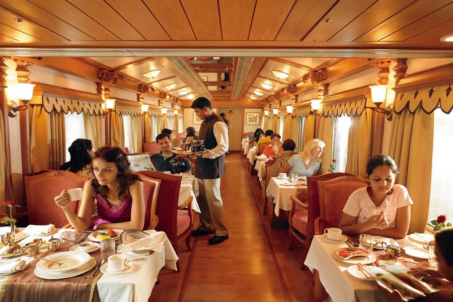 Restaurant onboard Golden Chariot