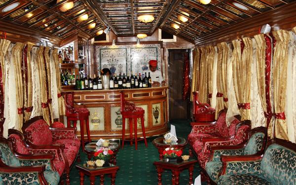 luxury bar onboard Palace on Wheels